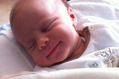L'attaccamento nel neonato, una sintesi.